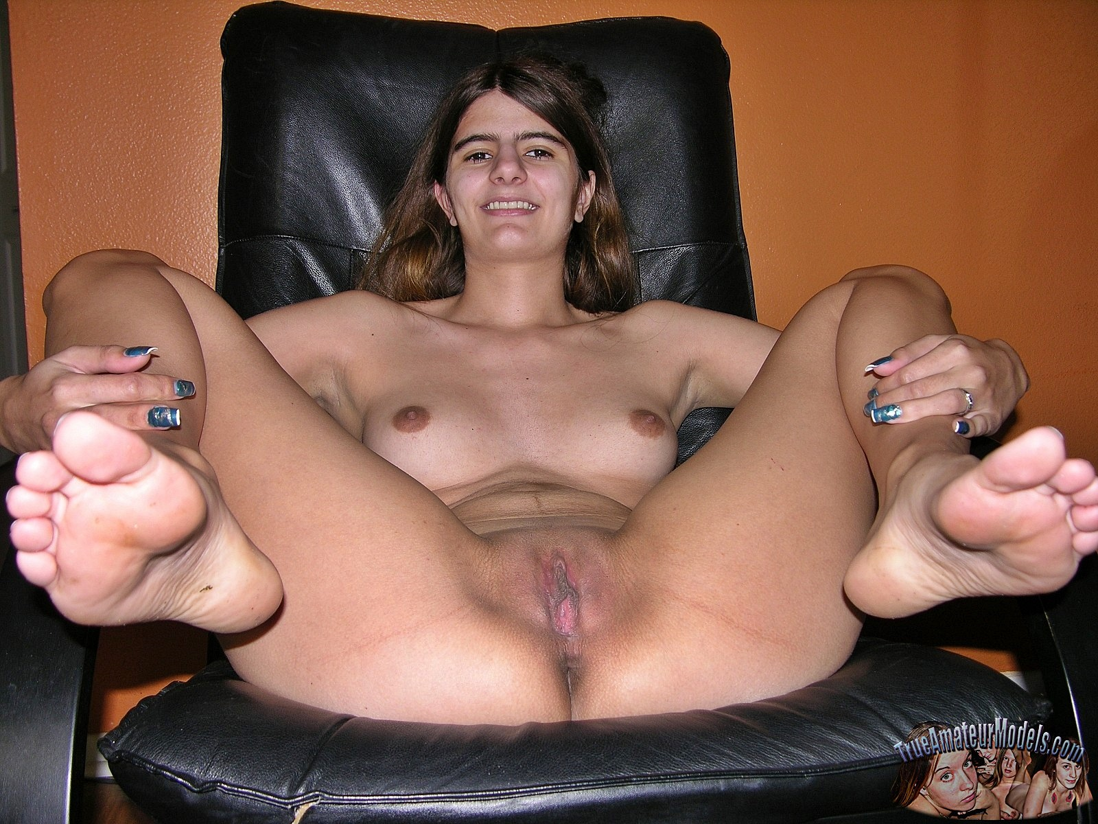 Hairy Native American Pussy Best brunette spreads her cunt > amateurporn.photos