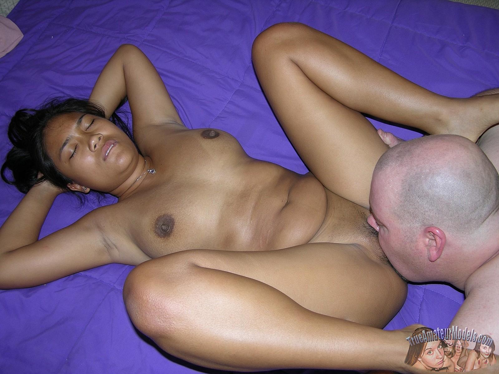 Thai Babe Fucks Missionary  Amateurpornphotos-6040