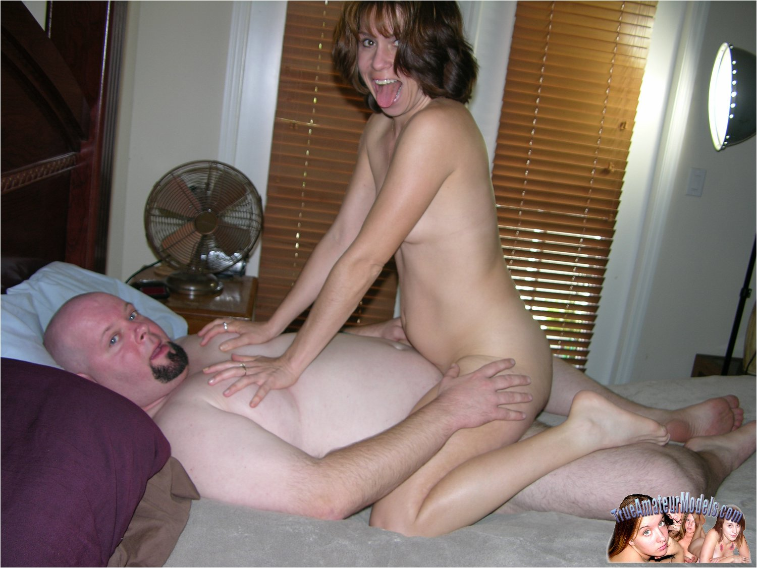 Brunette Milf Fucks Her Man  Amateurpornphotos-7515