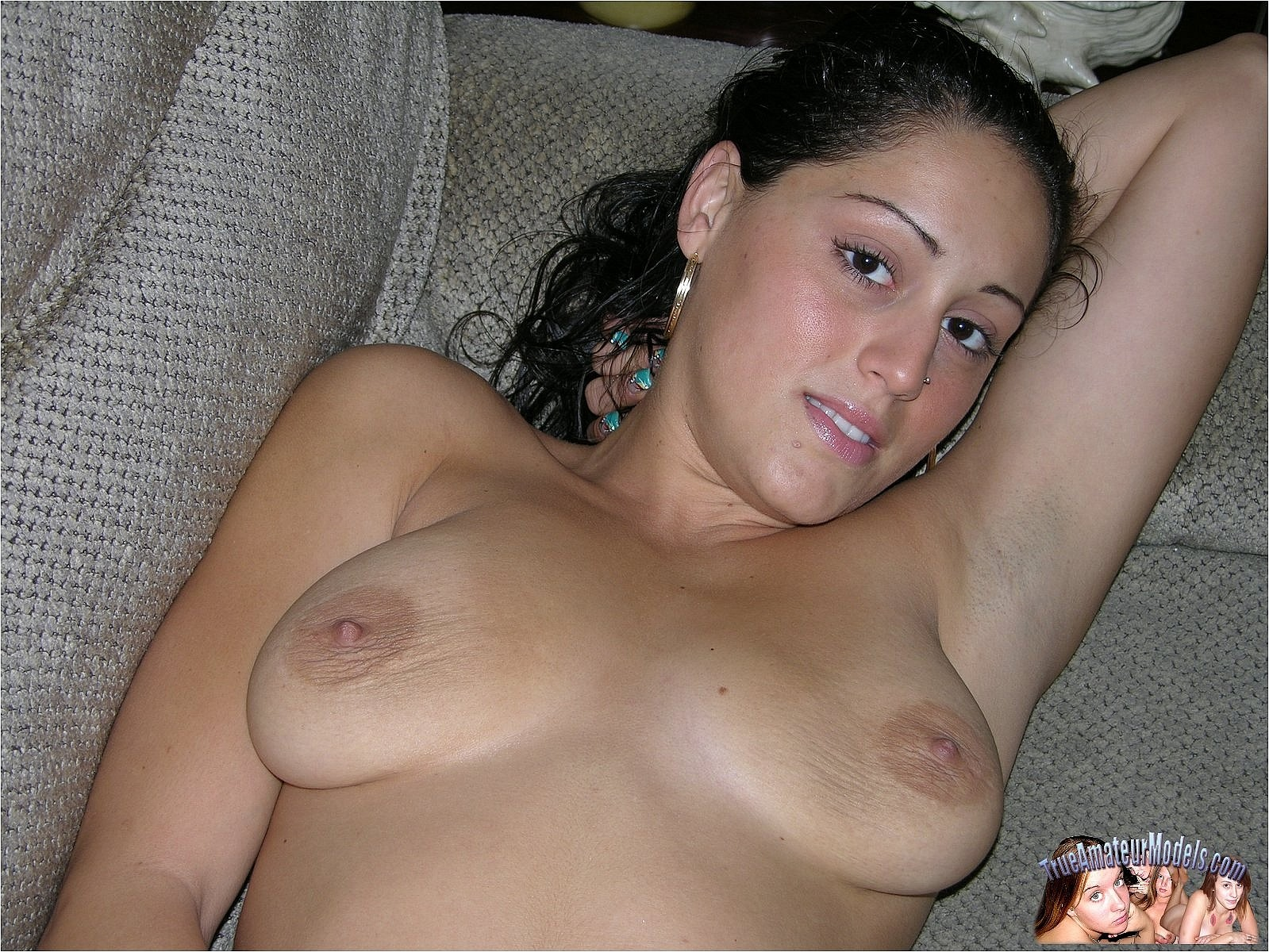Saggy Tits And Shaved Snatch  Amateurpornphotos-7568