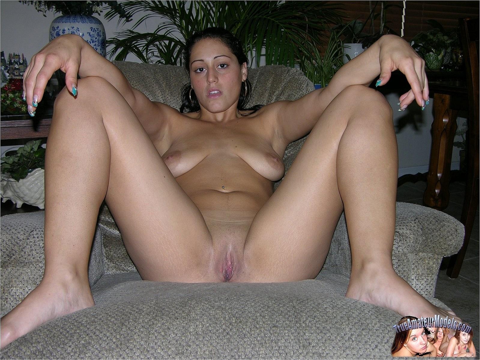 amateur nude italian models