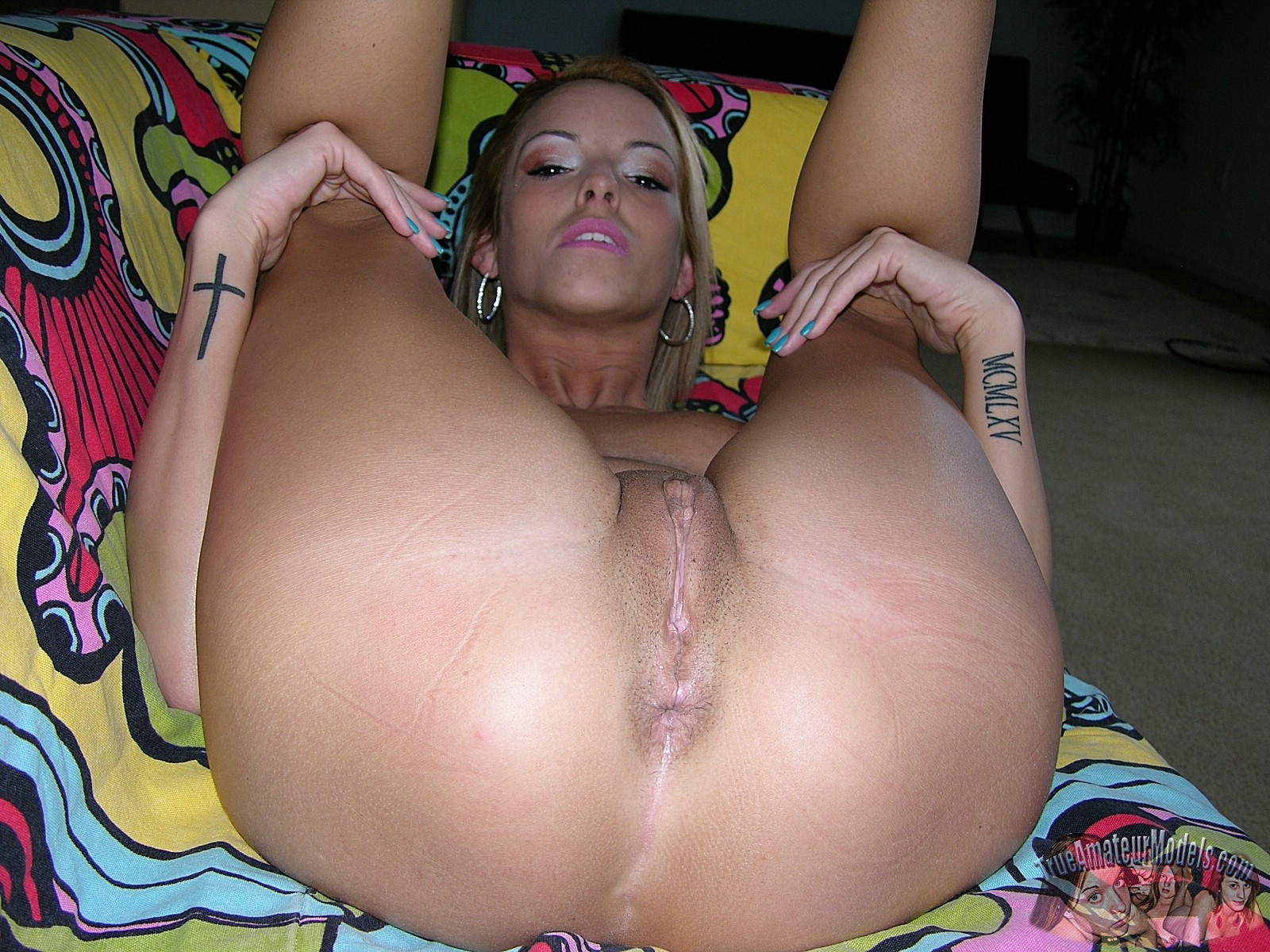 Nude tatooed milf gallary