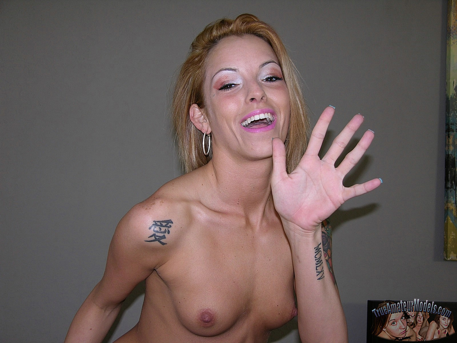 Nackt Tattoo Amature Frauen — foto 4